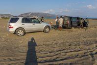 V písku..., Velipojë