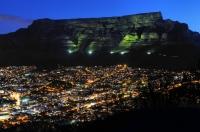 Noční Cape Town a Table Mt.