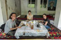 Oběd, na cestě mezi Biškekem a Ošem