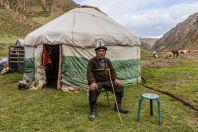 Starý muž s jurtou, Kara-Unkur