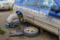 Oprava auta, Kazarman