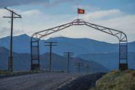 Brána, mezi Kazarman - Ak Tal