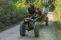 Tractor, Vangvieng