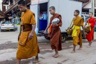 Monks, Vangvieng