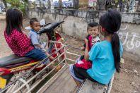 Kids, Nakasong