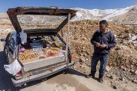 Sale of nuts, Kfardebian
