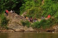 Fishermen on the river Tembeling