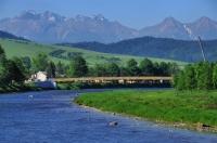 Dunajec v pozadí Belianky a Vysoké Tatry