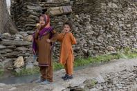 Little girls, Arkari