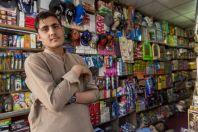Mladí ve svém obchodě, Chitral