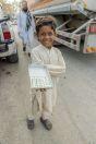 Malý kluk prodávající žvýkačky, Qalandarabad