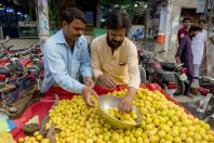 Fruit sellers, Rawalpindi