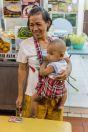 Žena s dítětem, Kuching