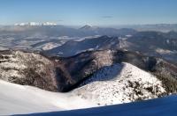 V pozadí Choč a Západní Tatry