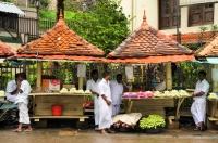 Lotus salesmen, Kandy