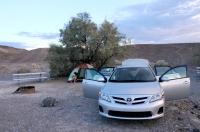 Kemp v Death Valley NP - teplota 45 °C