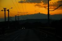 Západ slunce u města Târgu Jiu