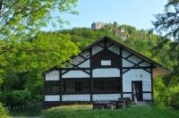 Chata pod hradem